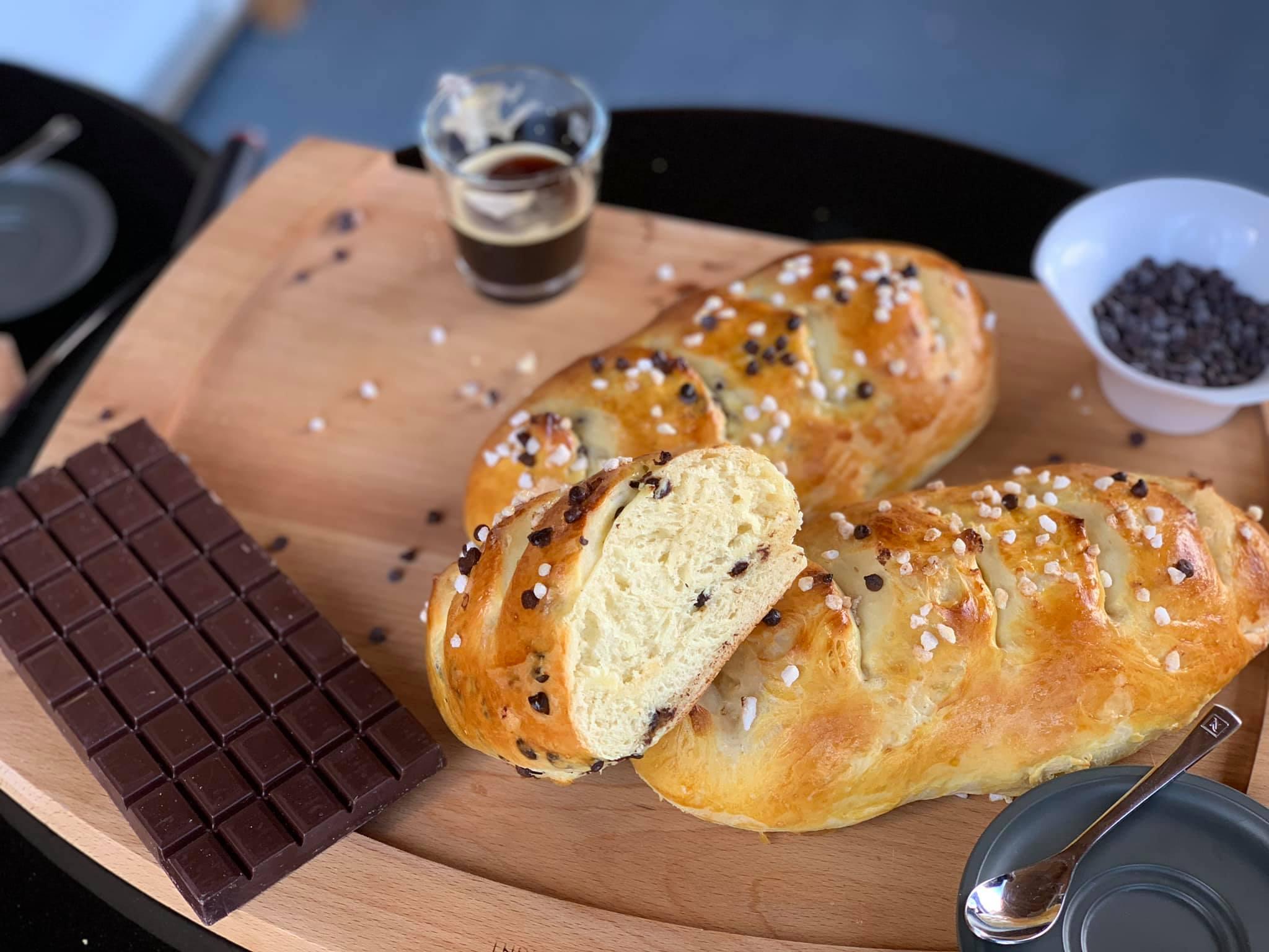 Recette pain viennois aux pépites de chocolat au BBQ à Pellet